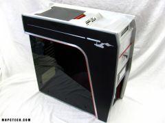 マイケル・オクダがデザインしたトリコーダー風PCケース